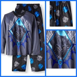 NWT black panther 2 piece pj set still in bag.
